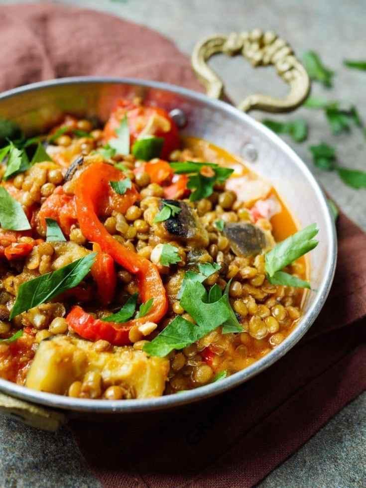 Linsegryte med aubergine og paprika [enkel oppskrift] – Et kjøkken i Istanbul