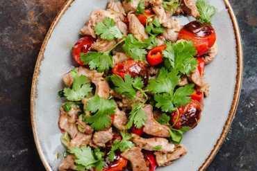Stekt lammekjøtt med tomat og spisskummen - oppskrift fra Et kjøkken i Istanbul