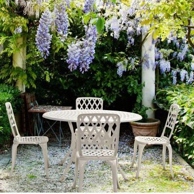 Vendo tavolo più 4 sedie provenzali in noce il le condizioni sono realmente. Set Tavolo 4 Sedie Bianche Giardino Mobili Provenzali