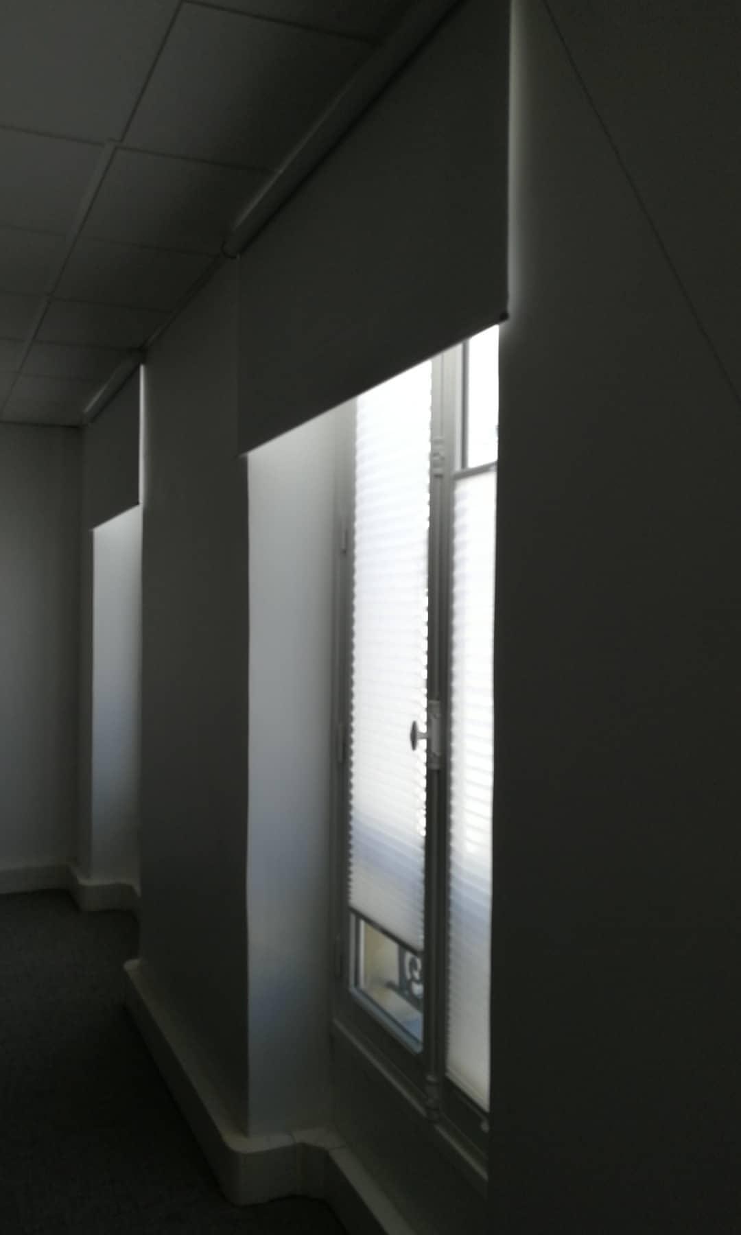 stores sur mesure Paris protection solaire bureaux