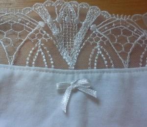 fiche méthode comment fabriquer un petit noeud de lingerie ruban fourchette soutien gorge culotte dessous sous vêtement