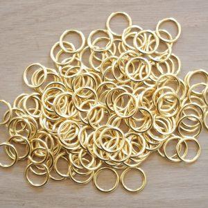 Anneaux dorés diamètre 10 mm (par paire)