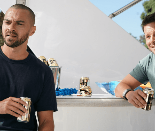 Greys Anatomy Jesse Williams Reacts To Alex Karevs Departure