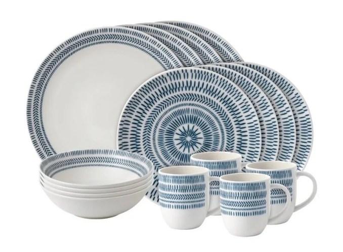 Chevron 16 Piece Dinnerware Set, Service for 4