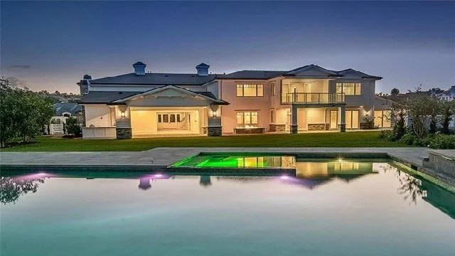 Kylie Jenner Buys Her Fourth Home a 12 Million Mansion