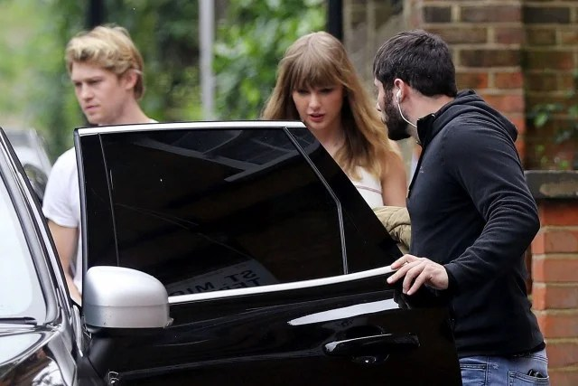 Taylor Swift and Boyfriend Joe Alwyn Step Out for Lunch Date in London  Entertainment Tonight