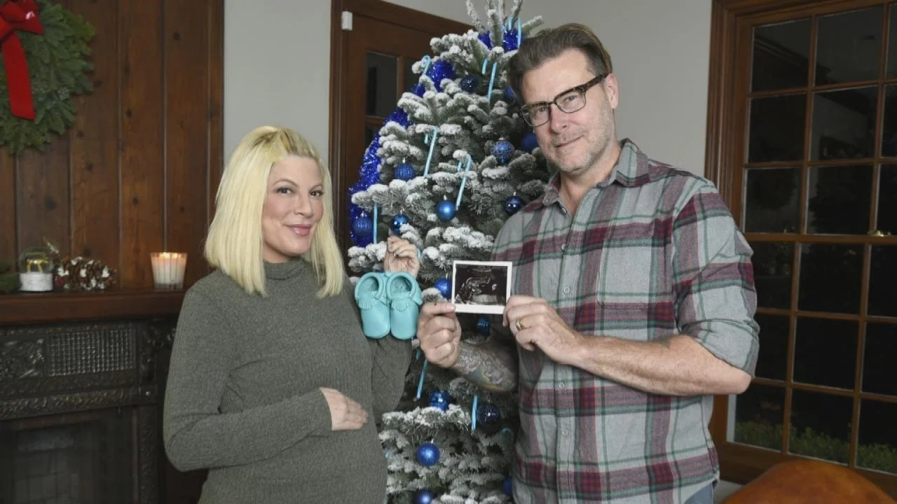 Baby Ornaments Reveal Christmas Gender