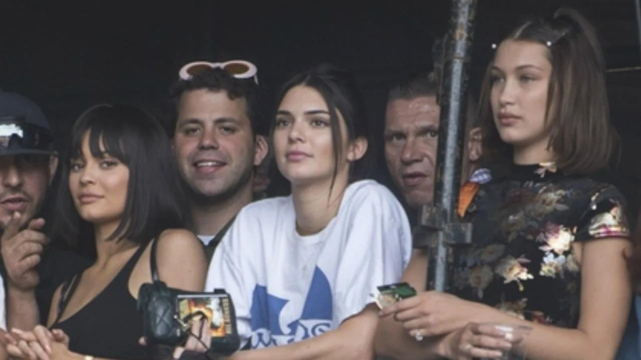 Kylie Jenner Cheers on Beau Travis Scott at Wireless Festival With Sister Kendall and Bella