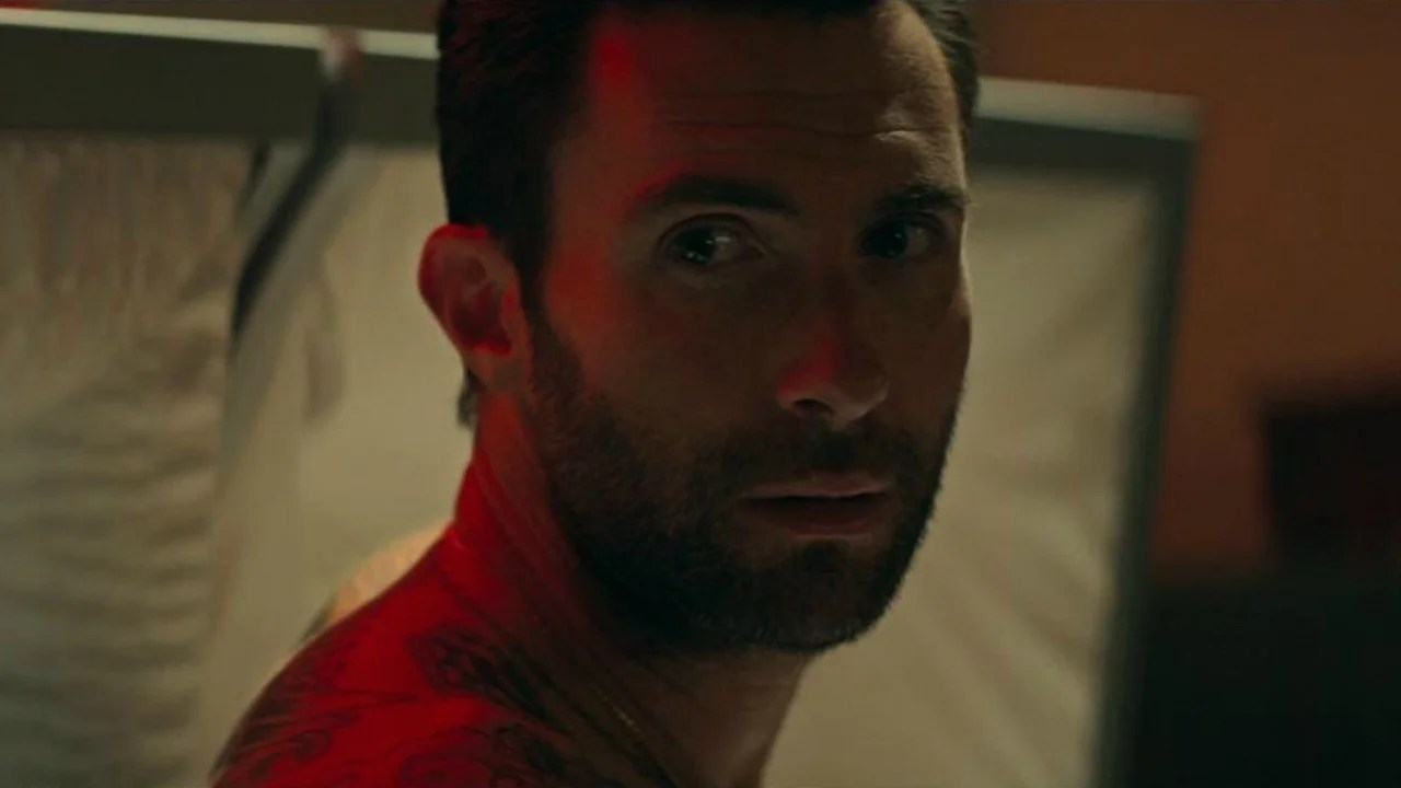 Maroon 5 Adam Levine Shows Up Shirtless to a Funeral in