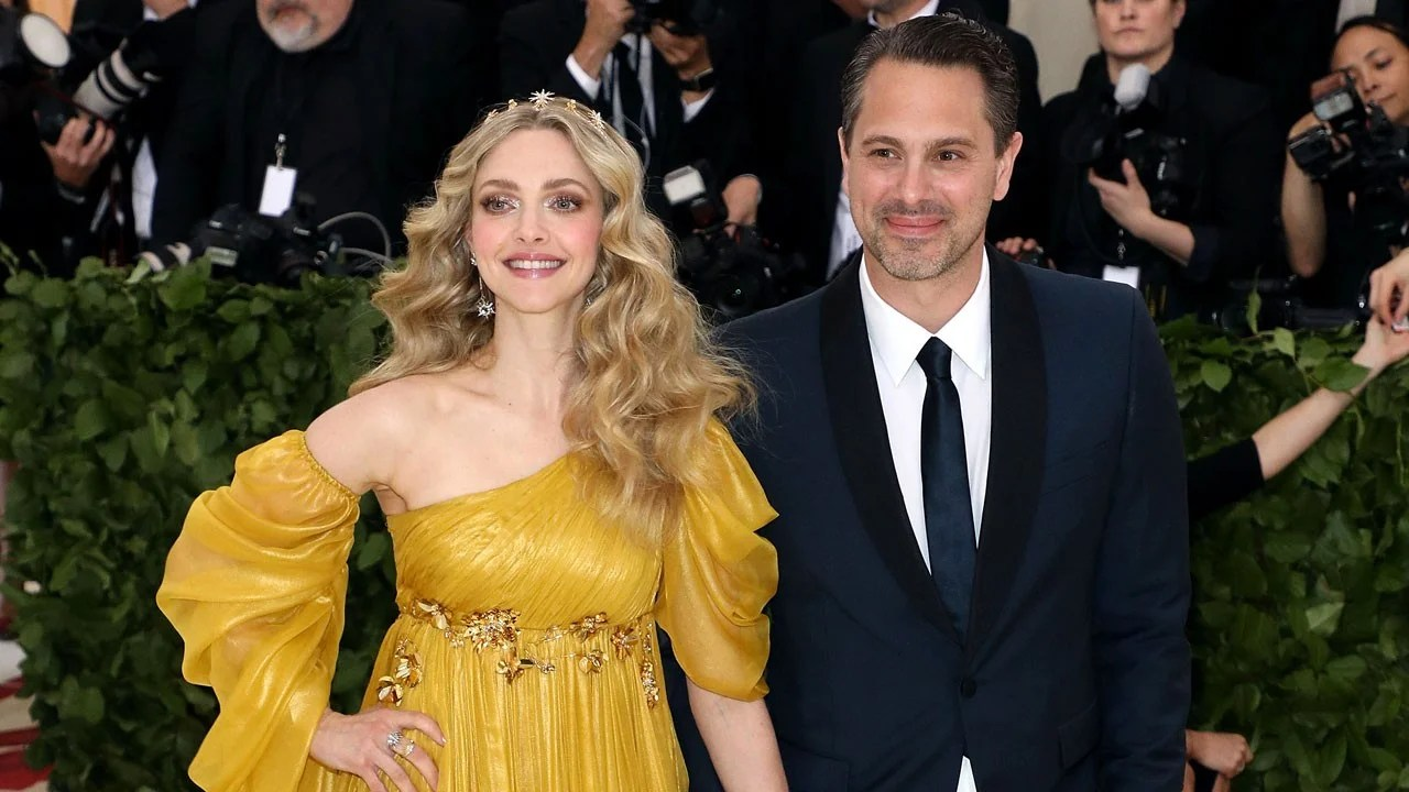 Amanda Seyfried Talks Meeting Thomas Sadoski When He Was Still Married He Never Disrespected