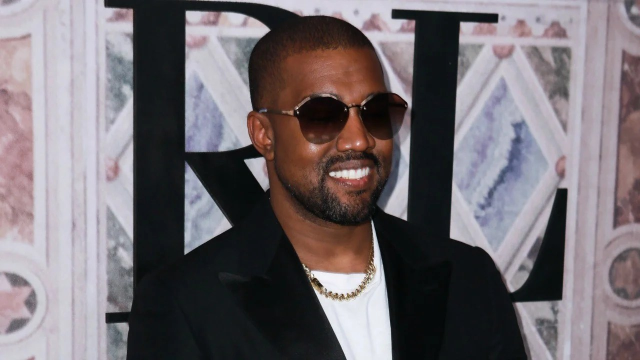 Kanye West S New Photo With Saint Proves He S The Happiest