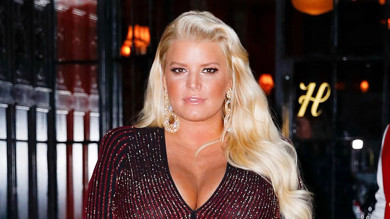 Jessica Simpson Shares Photos Of Daughter Birdie S Face