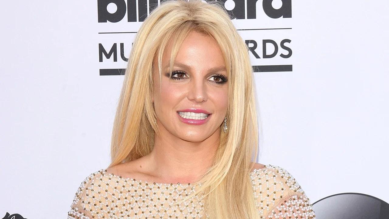 Britney Spears Does Yoga In Bikini A Week After Leaving