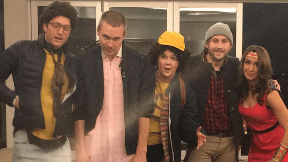 Amy Schumers Crew Does Stranger Things Proud for