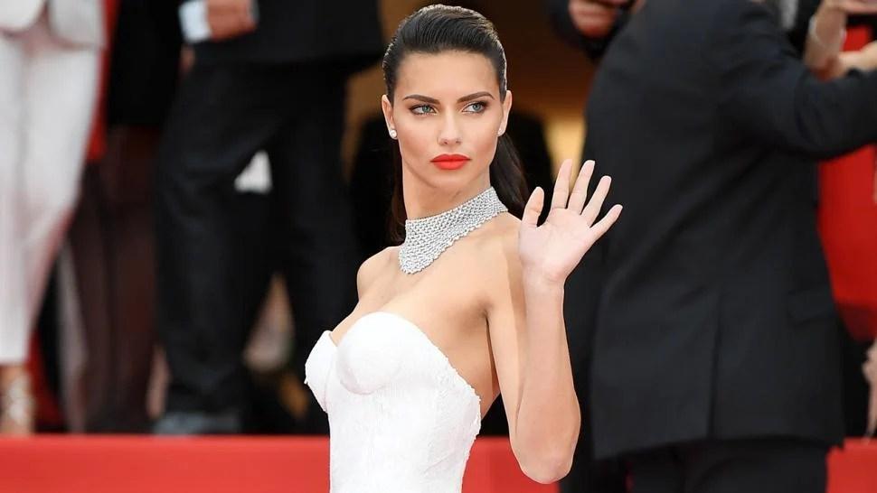 Adriana Lima Wears Diamond Wedding Band Declares I Am
