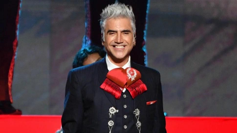 Alejandro Fernández Dedicates Legacy Award To Father