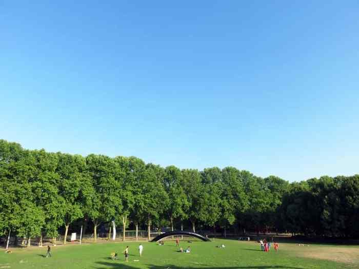 Parc de la Villette, Paris 2015 ©Etpourtantelletourne.fr