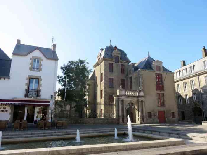 Mairie du Croisic 2015 ©Etpourtantelletourne.fr
