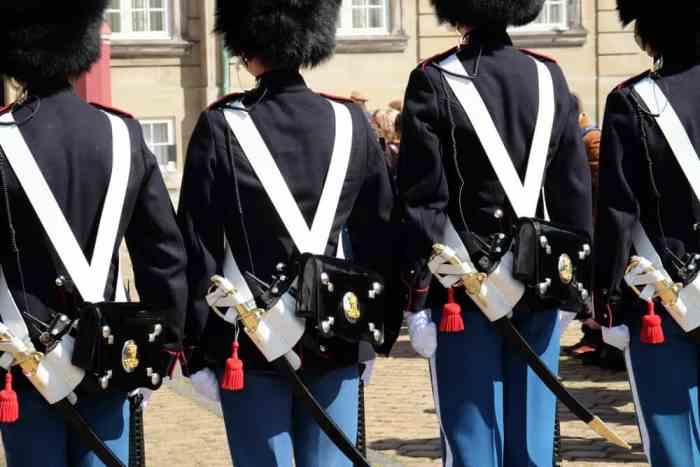 Gardes royaux Copenhague ©Etpourtantelletourne.fr