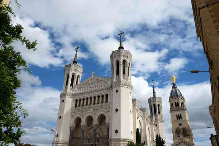basilique Notre Dame de Fourvière Lyon ©Etpourtantelletourne.fr