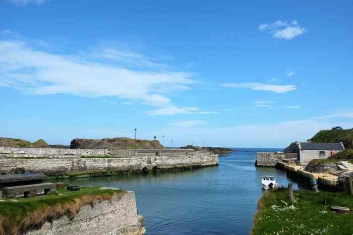 Causeway Coastal Route port de Ballintoy ©Etpourtantelletourne.fr