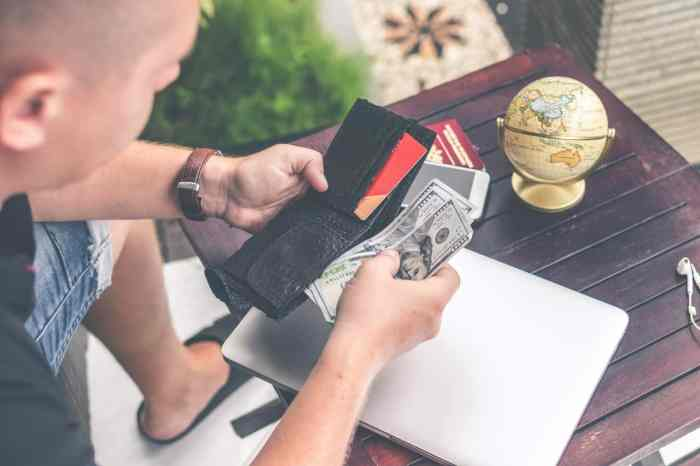 Astuces et conseils pour voyager moins cher