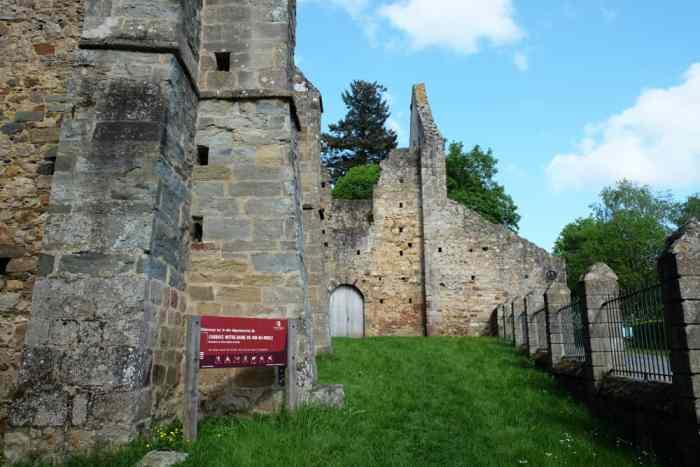 Abbaye Saint-Sulpice-la-forêt ©Etpourtantelletourne.fr