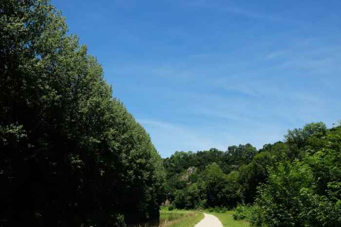 Chemin de halage de Dinan à Léhon ©Etpourtantelletourne.fr