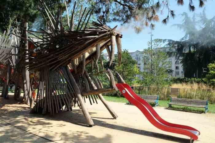 Parc avec jeux pour enfants Nantes ©Etpourtantelletourne.fr