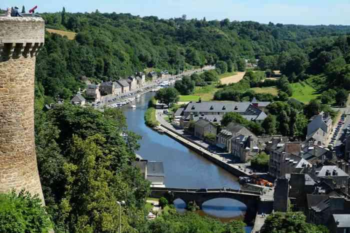 Point de vue des remparts de Dinan ©Etpourtantelletourne.fr