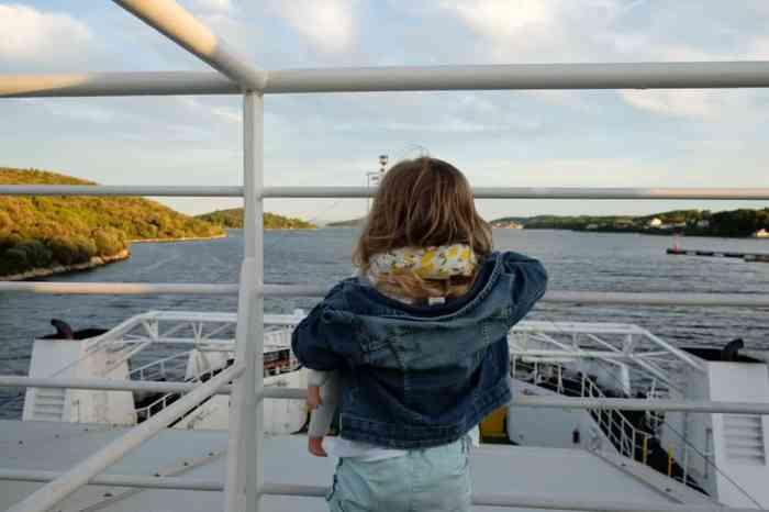 Prendre le ferry en Croatie pour relier les îles au continent (Split > Korcula > Dubrovnik) ©Etpourtantelletourne.fr