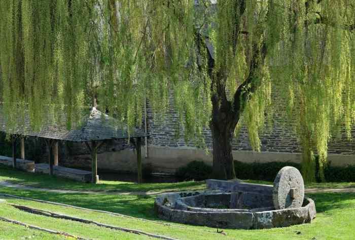 Visite de Châteaugiron : le lavoir -  ©Etpourtantelletourne.fr