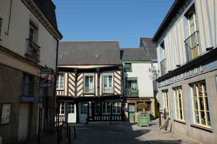 Visite de Châteaugiron dans les rues médiévales ©Etpourtantelletourne.fr