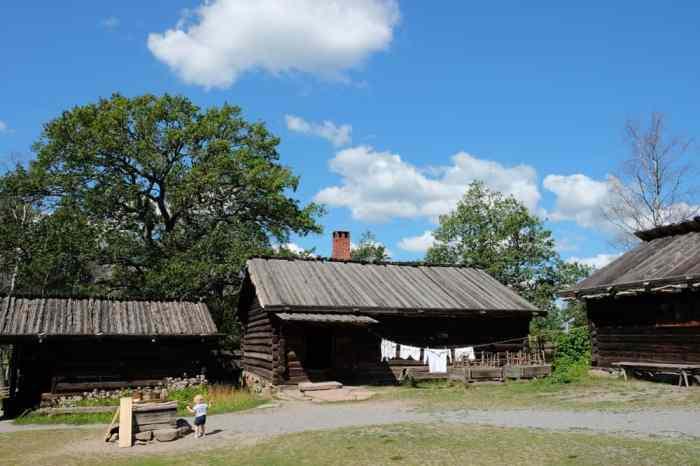 Reconstitutions villages suédois au parc Skansen // ©etpourtantelletourne.fr