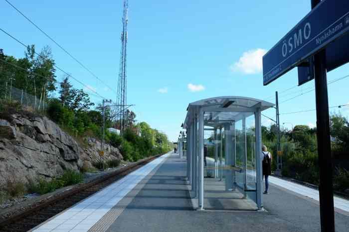 Prendre le train en Suède // ©etpourtantelletourne.fr