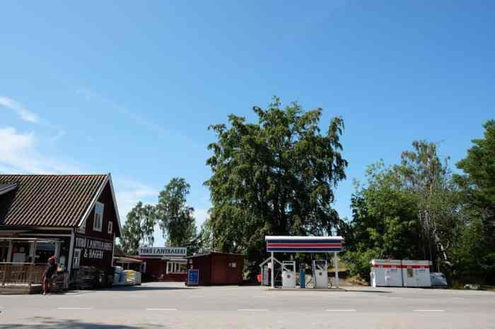 Prix du carburant en Suède // ©etpourtantelletourne.fr