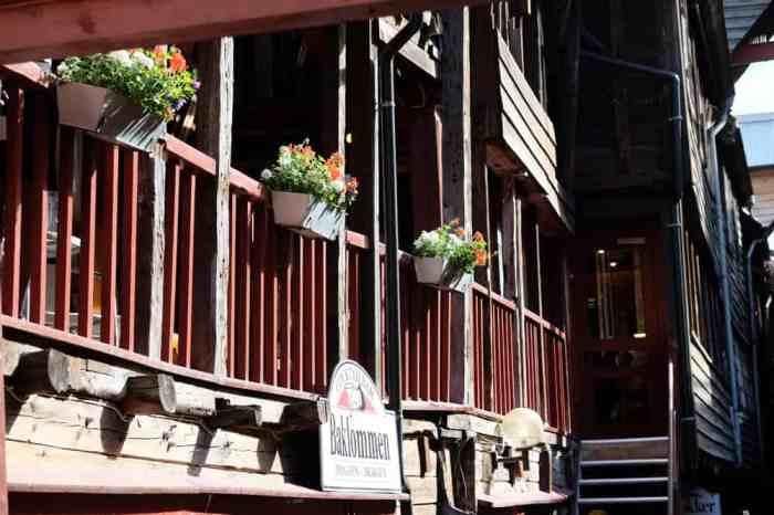 Maisons en bois dans le quartier de Bryggen à Bergen  ©Etpourtantelletourne.fr