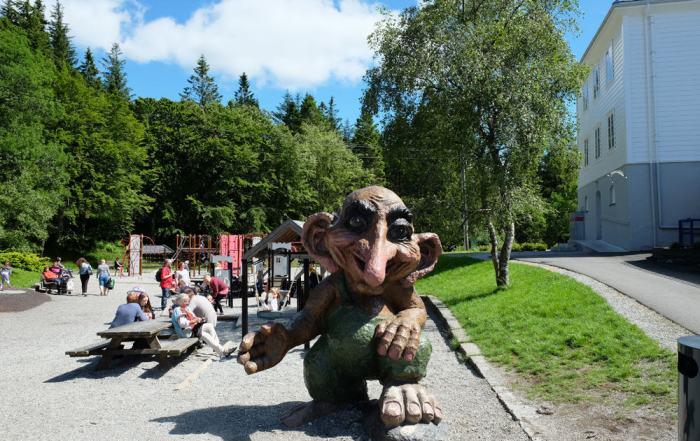 Foret des trolls sur le Mont Floyen à Bergen  ©Etpourtantelletourne.fr