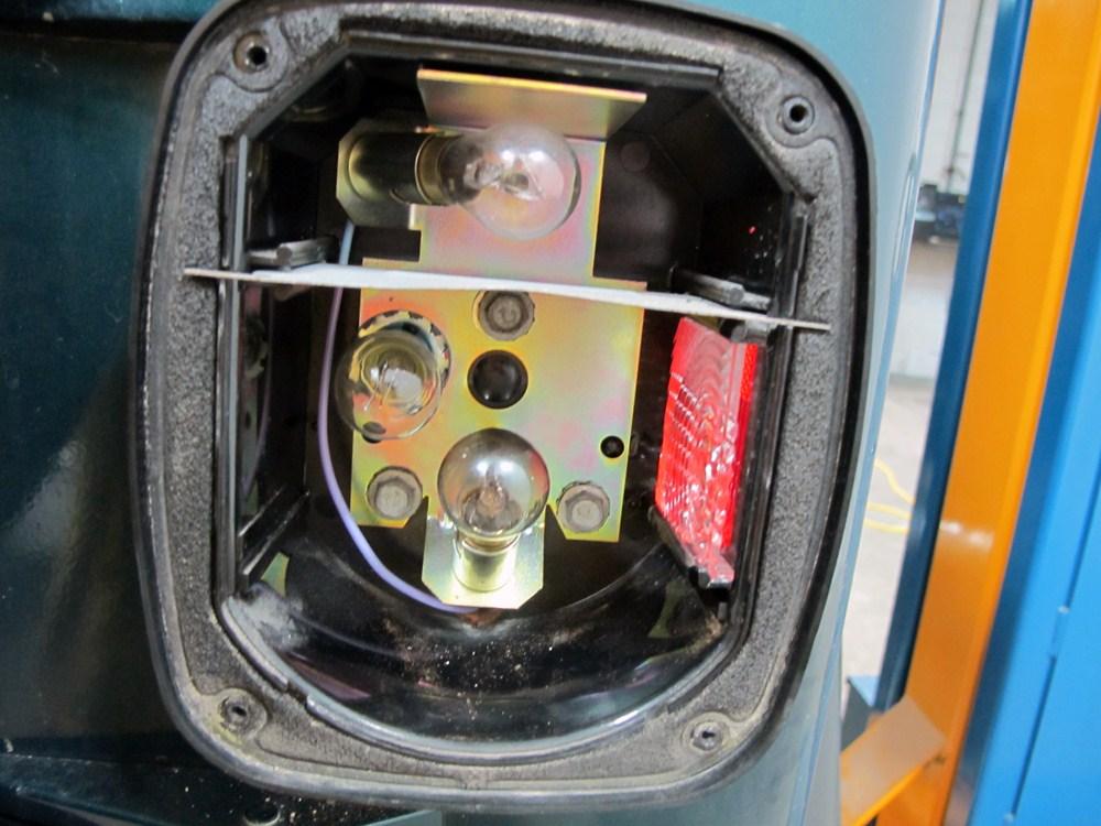 Jeep Wrangler Brake Light Wiring Diagram On Jeep Tj Trailer Wiring