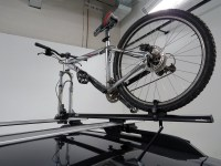 Thule Circuit XT Roof Bike Rack - Fork Mount - Clamp On ...