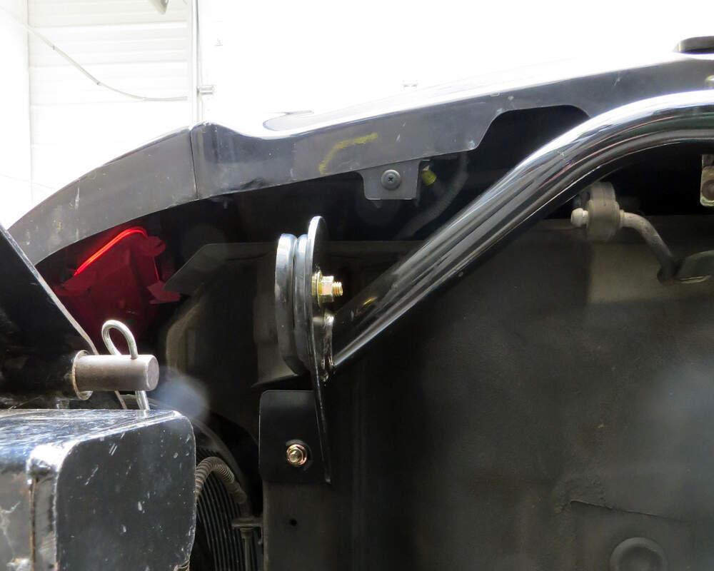 medium resolution of curt trailer hitch receiver custom fit class i 1 1 4 curt trailer hitch c11254