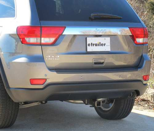 small resolution of curt custom fit hitch c13065 on 2012 jeep grand cherokee