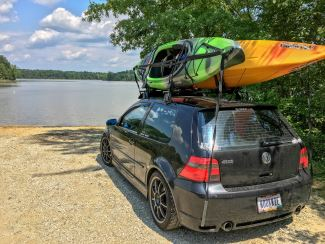 how to strap a kayak to a roof rack in