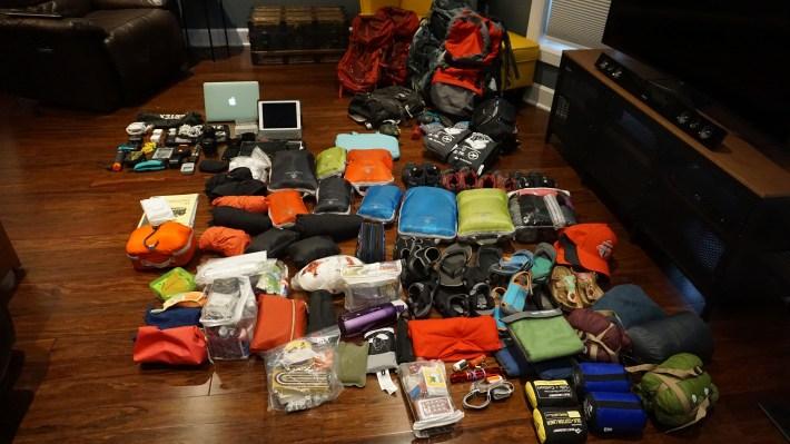 Notre équipement pour notre voyage autour du monde -  Au complet