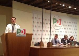 Matteo Renzi parla davanti alla Direzione del Pd riunita per discutere sull'art. 18