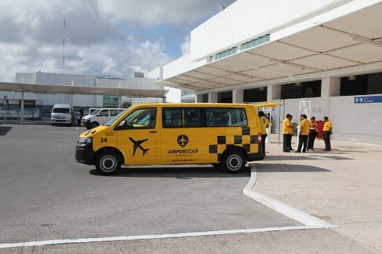 Mexico's competition regulator fines Cancún International Airport $3.7 million