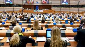 Commission FEMM du 3 décembre 2015 : la pauvreté féminine et la condition des femmes réfugiées font l'objet d'une attention accrue