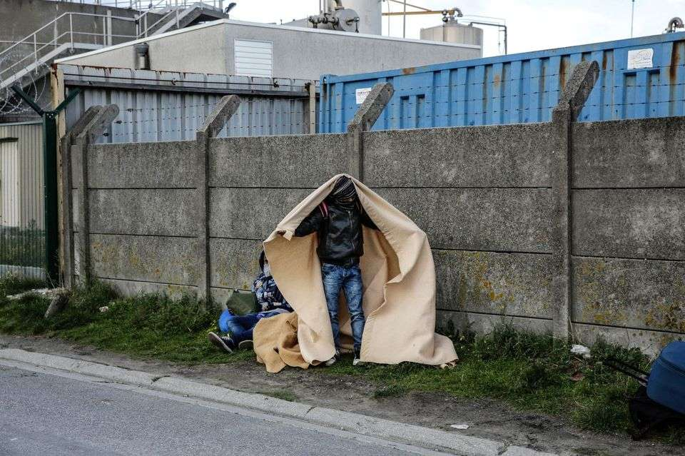 #FactOfTheDay: Children of Calais: UK and France accused of breaching human rights