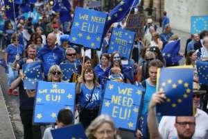 Un regain de faveur pour l'Union européenne dans presque tous les pays. Et l'Europe dans le monde ?