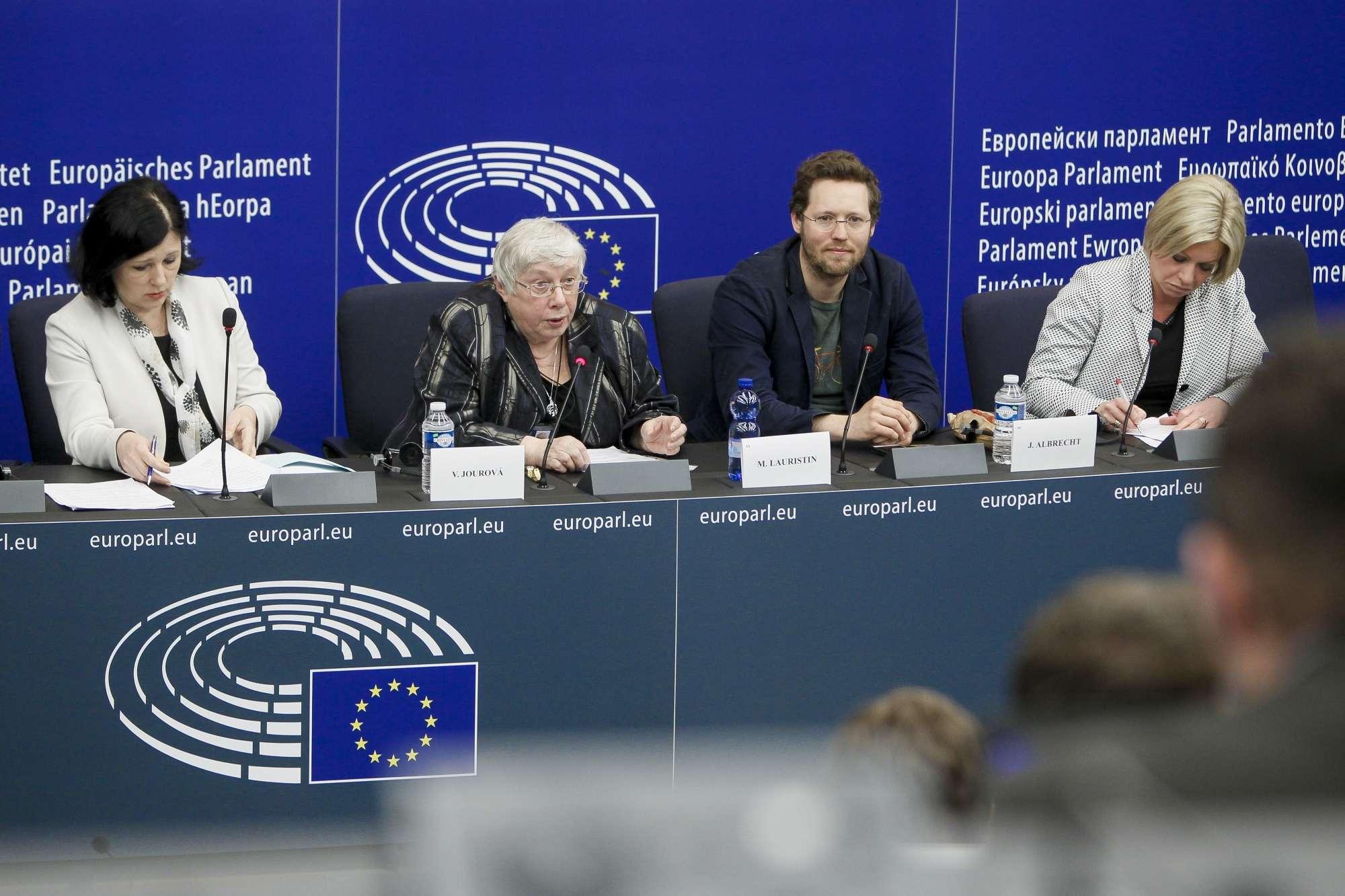 Focus sur le 'droit à l'oubli', élément de protection de la vie privée des Européens